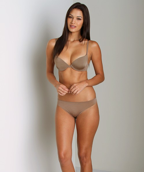 Huit Faussement Nue String Thong Ombre