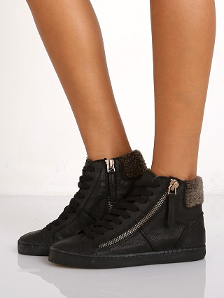 Dolce Vita Zola Sneaker Black Leather
