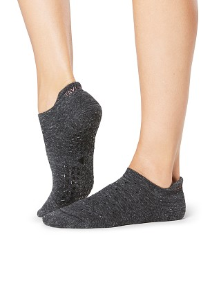 Model in principle ToeSox Savvy Grip Barre Sock