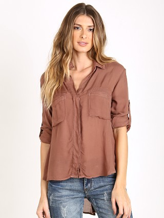 You may also like: Bella Dahl Split Back Button Down Heather Rose