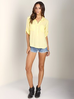 Bella Dahl Pullover Placket Shirt Daffodil