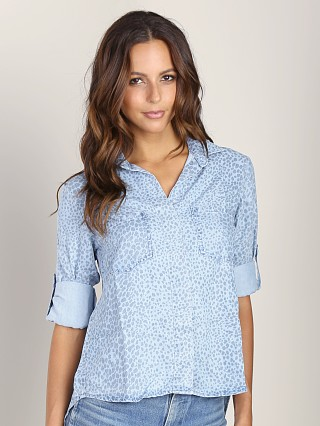 Bella Dahl Split Back Button Down Light Wash Spots