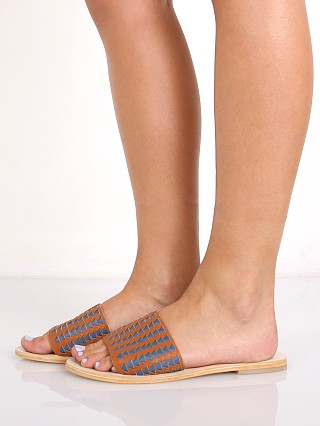 Model in jean blue/tan Sol Sana Anna Geo Weave Slide