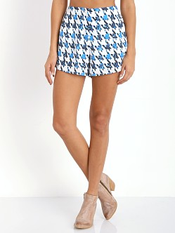 Finders Keepers Shake It Out Short Houndstooth