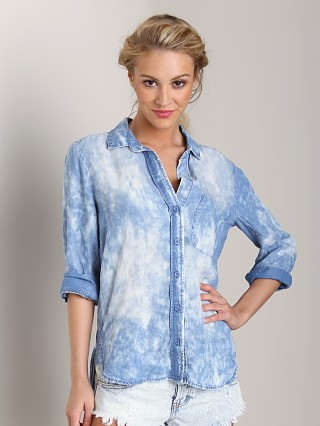 Bella Dahl Shirt Tail Button Down Denim Cloud