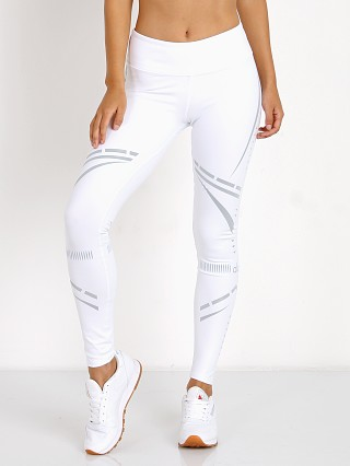 Complete the look: alo Airbrush Legging White/Reflective Charka