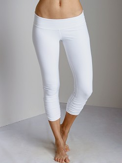 Beyond Yoga Peached Supplex Gathered Crop Legging White