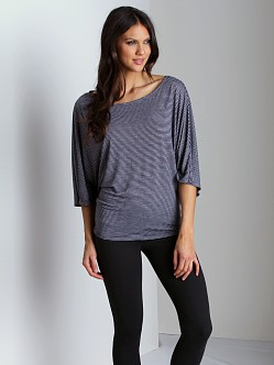Beyond Yoga Tunic Black Orchid Stripe
