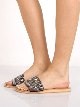 You may also like: Matisse Cosmo Slide Sandal Black