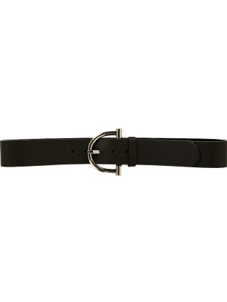 Model in black/silver B-Low The Belt Blake Belt