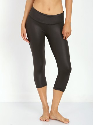 You may also like: alo yoga Airbrush Capri Black Glossy