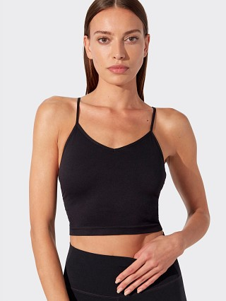 Model in black Splits59 Seamlesss Cami