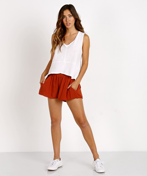 MATE the Label Luma Shorts Rust