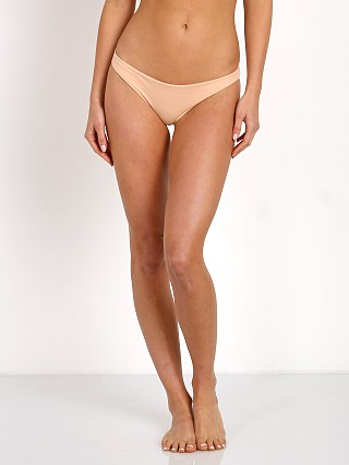 Model in buff Indah Domain Bikini Bottom