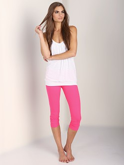 Beyond Yoga Back Gather Legging Neon Berry