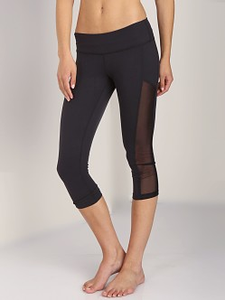 Beyond Yoga Mesh Paneled Legging Black