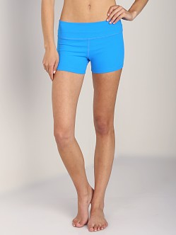 Beyond Yoga Essential Short Deep Sea Blue