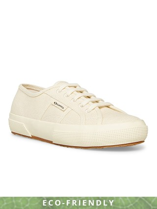 Model in off white Superga 2750 Organic Cotu Sneaker
