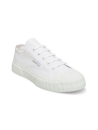 Model in total white Superga 2630 Cotu Canvas Sneaker