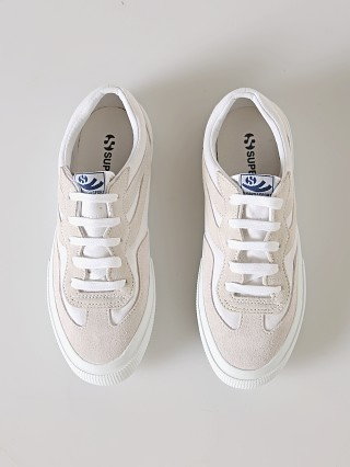 Model in white Superga 2941 Revolley Colorblock Sneaker