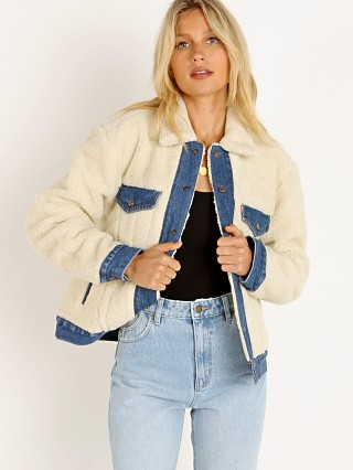 Model in counting sheep Levi's Ex BF Pieced Trucker Jacket