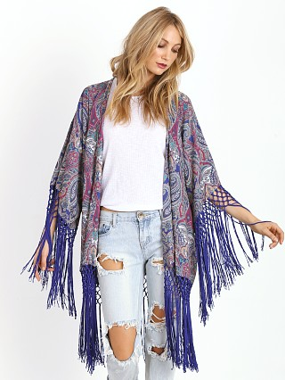 You may also like: Tularosa Lou Kimono Paisley