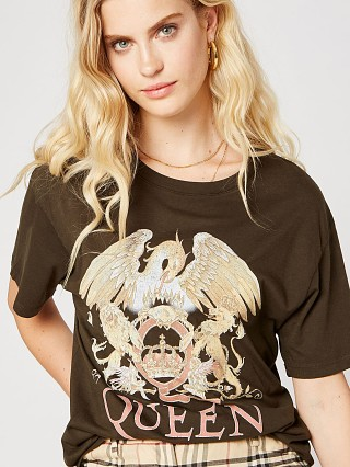 Daydreamer Queen Crest Boyfriend Tee Fern
