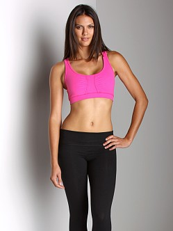 Beyond Yoga Tear Drop Back Bra Electric Pink