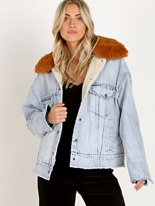 Levi's Oversized Sherpa Trucker Killing Me Softly