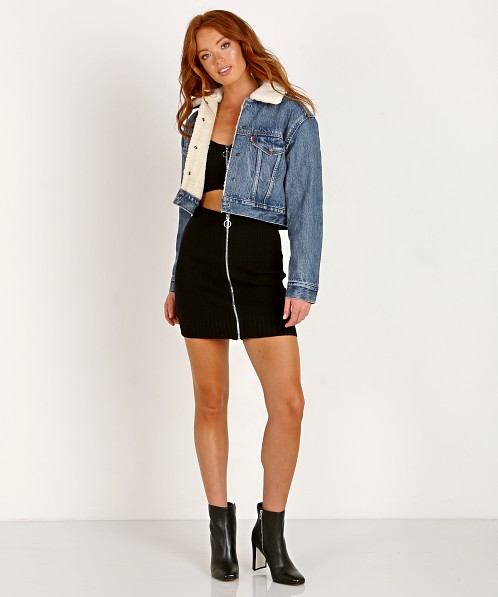 Levi's Cropped Sherpa Trucker Fight Or Flight