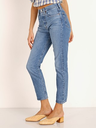 Model in jive ship Levi's 501 Skinny Jean