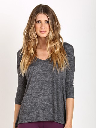 You may also like: Beyond Yoga High Low Tee Heather Gray