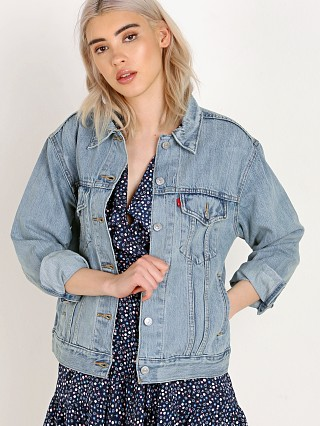 Complete the look: Levi's Ex-Boyfriend Trucker Jacket Dream Of Life