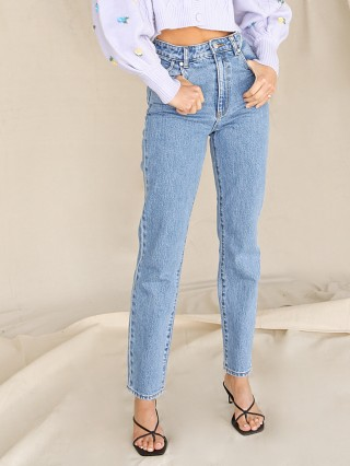 Model in cindy blue Rollas Duster Jeans