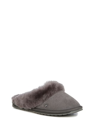 Model in charcoal Emu Australia Joile Slipper