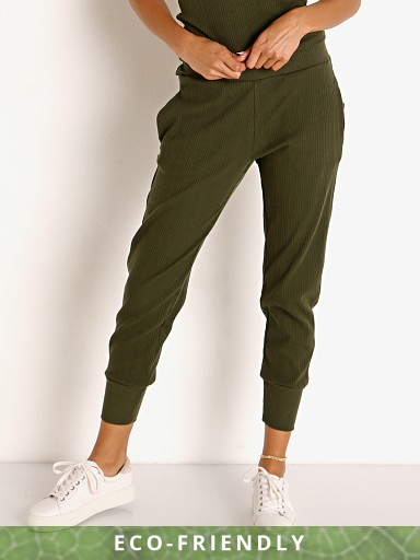 Model in army Vitamin A Organic Rib Silm Jogger