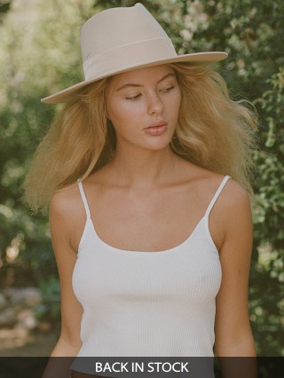 Model in beige Lack of Color Benson Tri Hat