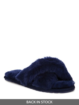 Model in navy EMU Australia Mayberry Slipper