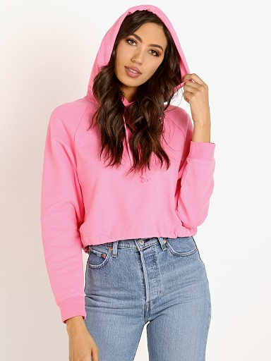 Model in sachet pink Levi's Cinched Hoodie