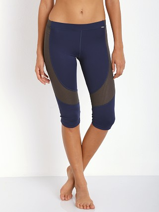 Complete the look: VPL Flexure Capri Navy
