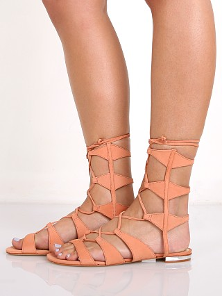 Model in clay Schutz Erlina Sandal