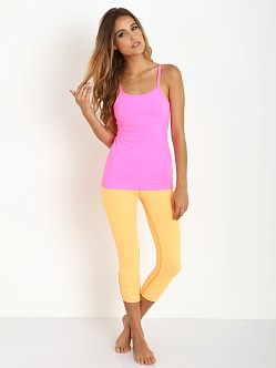 Beyond Yoga Adapt & Adore Multicross Cami Shocking Pink