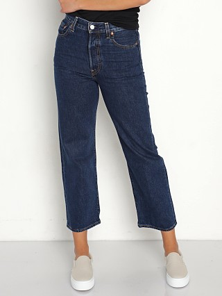 Model in neo dark Levi's Ribcage Straight Ankle Jeans