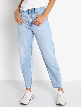 Model in near sighted tencel Levi's High Loose Taper Jeans