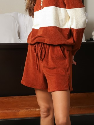 Model in cinnamon DONNI. Terry Henley Short