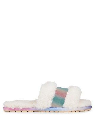 Model in natural Emu Australia Wrenlette Slipper Tie Dye