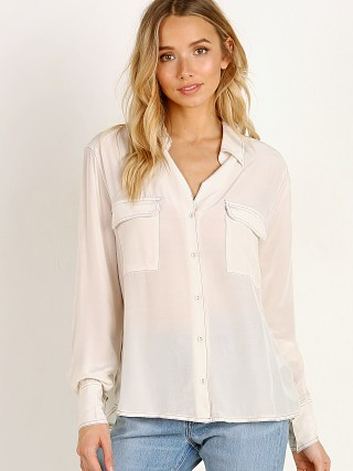 Model in cream ASTR the Label Effect Top