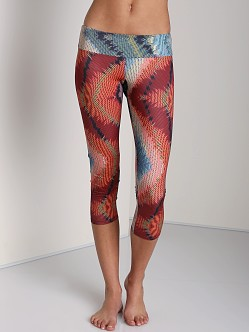 Onzie Capri Pant Sound Wave