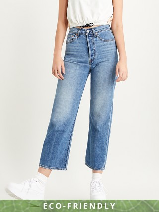 Model in at the ready Levi's Ribcage Straight Ankle Jeans Haight