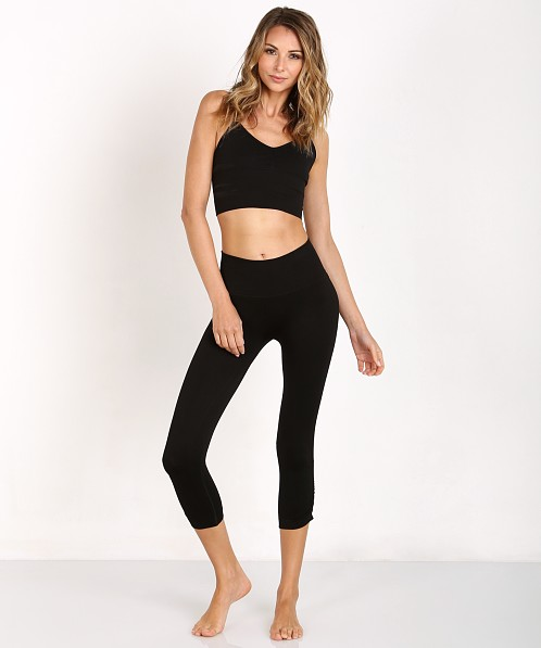 a0d74acd59 Onzie Seamless Capri Pant Black 275 - Free Shipping at Largo Drive